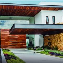 Casa el Bosque de Gran Jardín: Casas ecológicas de estilo  por PIA Supervisión y Gerencia de Proyectos