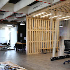 Industrial style offices & stores by Gamma Industrial Wood Wood effect