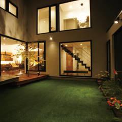 H House in Sapporo オリジナルデザインの テラス の HOKUTO DESIGN OFFICE オリジナル