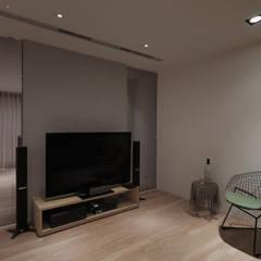 Salas de entretenimiento de estilo  por 形構設計 Morpho-Design,