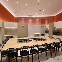 Commercial Spaces by KITZ.CO.LTD,