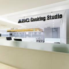 ABC Cooking Studio CELEO Hachioji: KITZ.CO.LTDが手掛けた商業空間です。,ミニマル