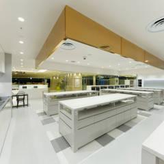 ABC Cooking Studio CELEO Hachioji: KITZ.CO.LTDが手掛けた商業空間です。,ミニマル 金属