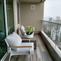 Proyectos de espacios y ambientes diseñados y ejecutados por B-house: Hoteles de estilo  por B-House, Moderno Aluminio/Cinc