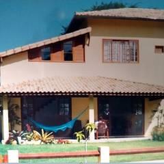 Arqtudorj:  tarz Bitişik ev