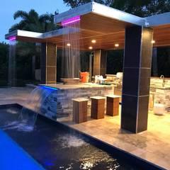 Pool by Casa Construções e Reformas,
