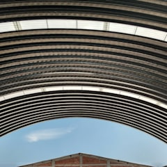 Proyectos Varios: Techos de estilo  por Carpio Arquitectura Y Bienes Raíces