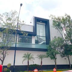 Calle 13 Aitana: Balcón de estilo  por Alan Enríquez | Arquitecto
