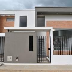Casa C3T: Casas unifamiliares de estilo  por Francisco Forero Aponte - Arquitecto,