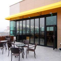 Bars & clubs by IDA - 아이엘아이 디자인 아틀리에, Rustic Tiles