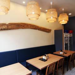 Restaurantes de estilo  por IDA - 아이엘아이 디자인 아틀리에, Rústico Madera maciza Multicolor