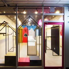 아동의류매장 - 송파: IDA - 아이엘아이 디자인 아틀리에의  상업 공간,모던 금속