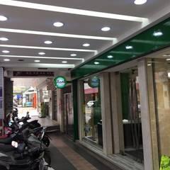 法蘭克肉舖子板橋店:  商業空間 by 捷士空間設計(省錢裝潢), 簡約風