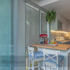 White Classic:  Built-in kitchens by Meter Square Pte Ltd,Classic
