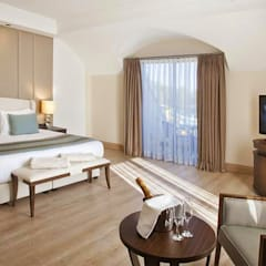 Hotels by KALYA İÇ MİMARLIK \ KALYA INTERIOR DESIGN, Classic Wood Wood effect