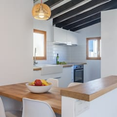 Small kitchens by Fiol arquitectes, Mediterranean