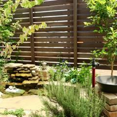 Estanques de jardín de estilo  por 株式会社Garden TIME, Rural Piedra