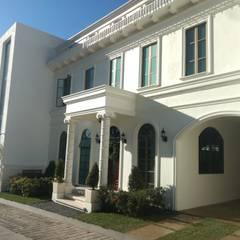Terrace house by AR216, Classic Bricks