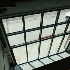 Pintu oleh 全天候氣密窗, Industrial