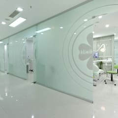 by KALYA İÇ MİMARLIK \ KALYA INTERIOR DESIGN Modern Glass