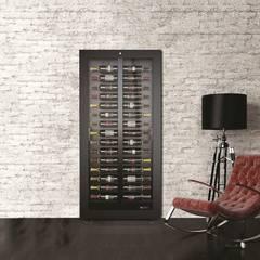 Bodegas de vino de estilo  por ShoWine ,