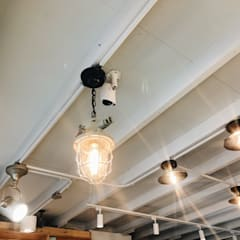 清爽簡約的甜點店-CV甜點沙龍:  餐廳 by 圓方空間設計, 簡約風 金屬