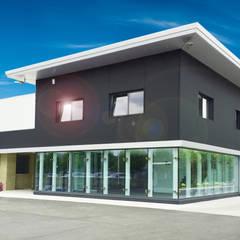 Rumah pasif oleh ABITAlab S.r.l., Modern Kaca