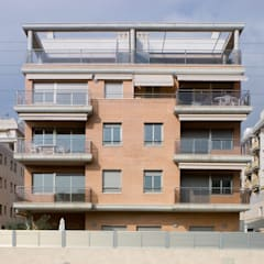 บ้านสำหรับครอบครัว โดย Proarquitectura S.L.P.,
