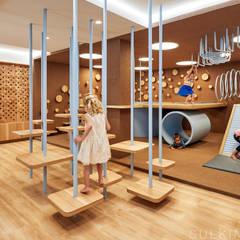 Nia School : Escuelas de estilo  por Sulkin Askenazi, Moderno