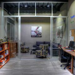 Study/office by Con Contenedores S.A. de C.V., Industrial