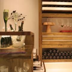 Bodegas de vino de estilo  por MARIA FERNANDA PEREIRA,