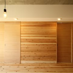 Walls by 三浦喜世建築設計事務所,