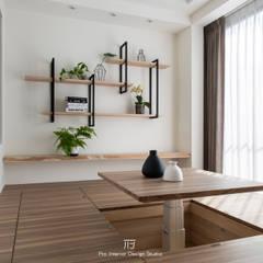 多功能室:  小臥室 by 璞玥室內裝修有限公司,