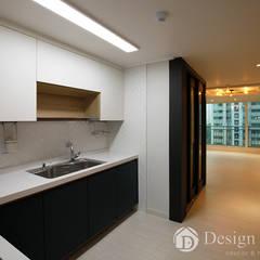 광장동 현대파크빌 25py: Design Daroom 디자인다룸의  지붕,모던