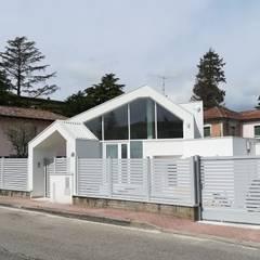 Rumah pasif oleh Nico Papalia Architect, Modern