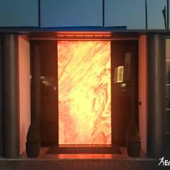 Puertas de entrada de estilo  por Ercole Srl,