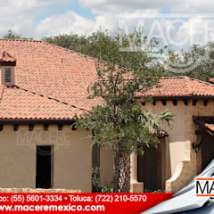 Hipped roof by MACERE México,