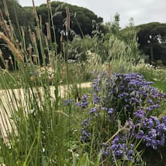 Vườn theo Maria Mayer | Interior & Landscape Design, Mộc mạc