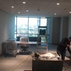 اتاق کار و درس توسطOrtiz Construcciones y Remodelacion Integral, مدیترانه ای نئوپان