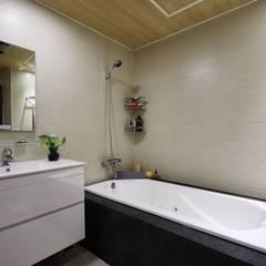 ห้องน้ำ โดย 弘悅國際室內裝修有限公司,