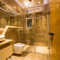 S Residence:  Bathroom by Design Radiance,Modern