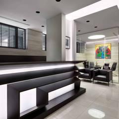 Офис на Андреевском спуске украсил 2 метровый автоматический биокамин Planika FLA 3:  Офіси та магазини вiд Planika, Сучасний
