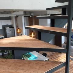 Stairs by De León Profesionales, Industrial Wood Wood effect