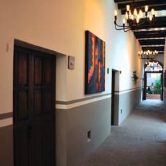 Hotels oleh De León Profesionales
