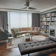 김포 한강래미안 아파트: (주)토브디자인스튜디오의  거실,클래식