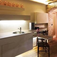 Bodegas de vino de estilo  por Laura Marini Architetto,