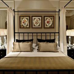 Small bedroom by Carolina Fagundes - Arquitetura e Interiores, Classic