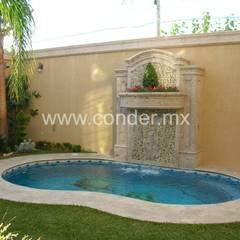 DELICIAS 1: Albercas de jardín de estilo  por CONDER S.A. de C.V., Clásico