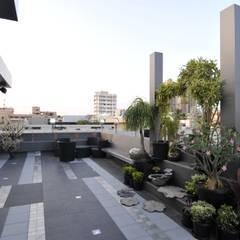 Modern balcony, veranda & terrace by Mybeautifulife Modern