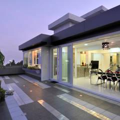 Terrace by Mybeautifulife, Modern
